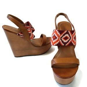 Shoe Dazzle size 7.5 Bindhi platform shoes